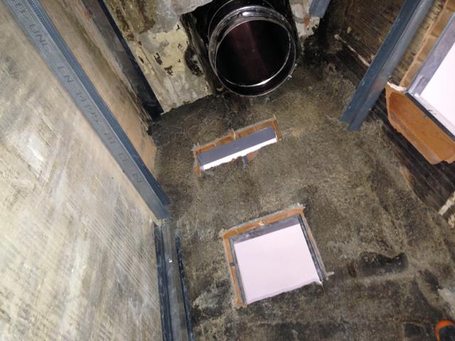 Foyer ferm dans chemin e existante bluemarmot - Montage cheminee foyer ferme ...